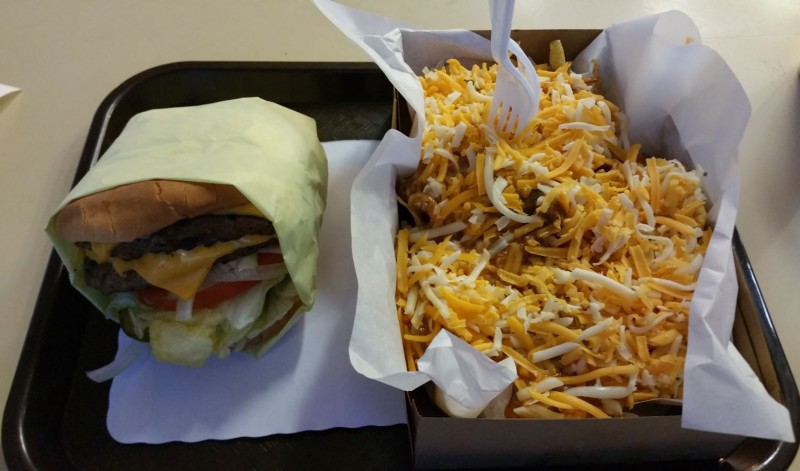 1/2 lb Cheeseburger & Chilli Cheese Fries