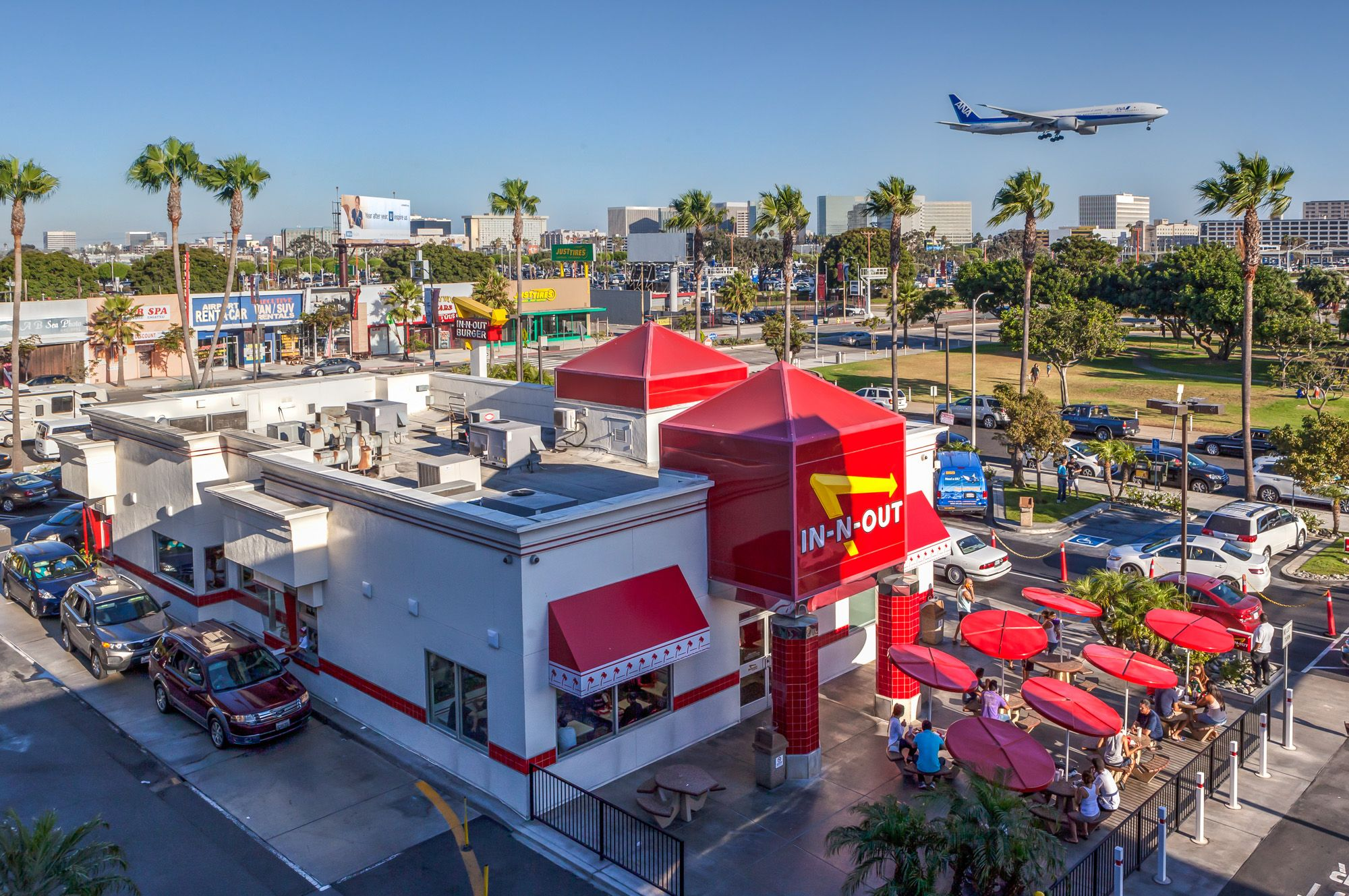 Layover guide 5 things to do around los angeles for Lax long term parking lot