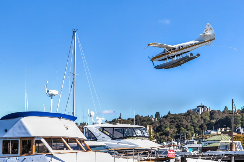 Seaplane landing on Lake Union