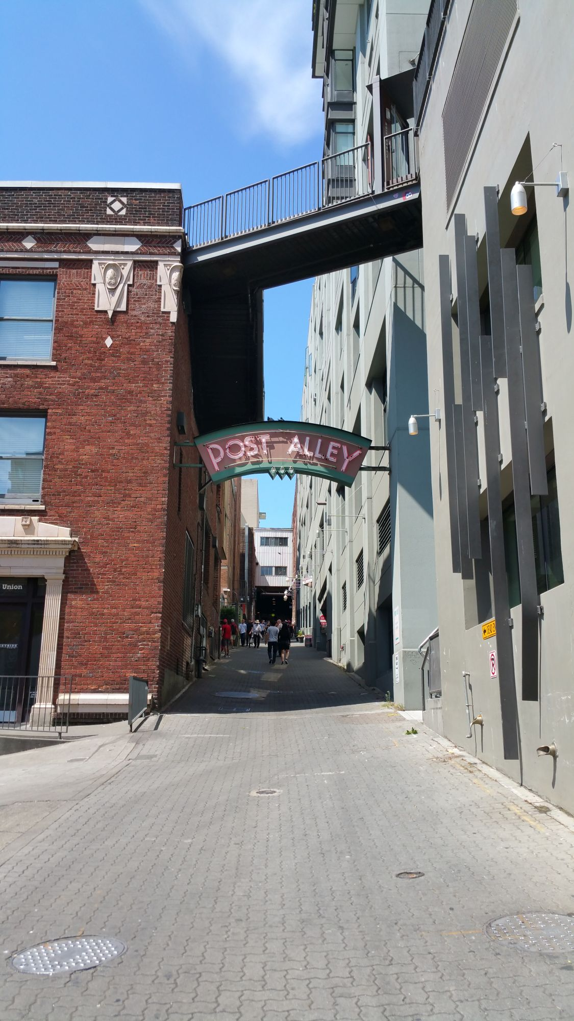 seattle 39 s gum wall gets a reboot gate to adventures. Black Bedroom Furniture Sets. Home Design Ideas