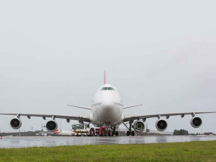 A rare sight – Boeing 747 Jumbo Jet with 5 engines