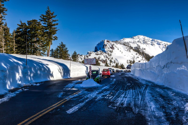 Drive to Crater Lake Lodge