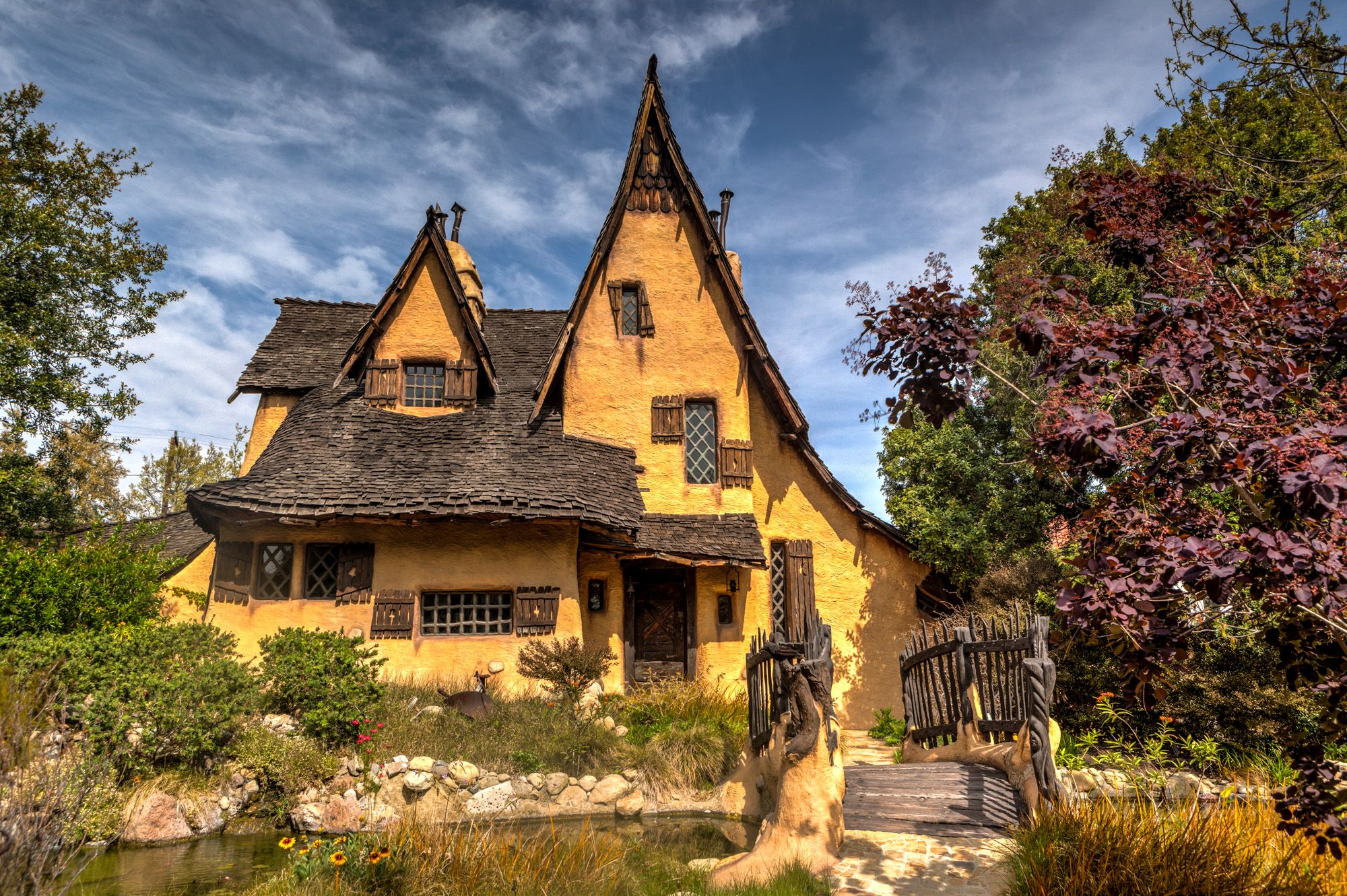 The Witch 39 S House In Beverly Hills Gate To Adventures