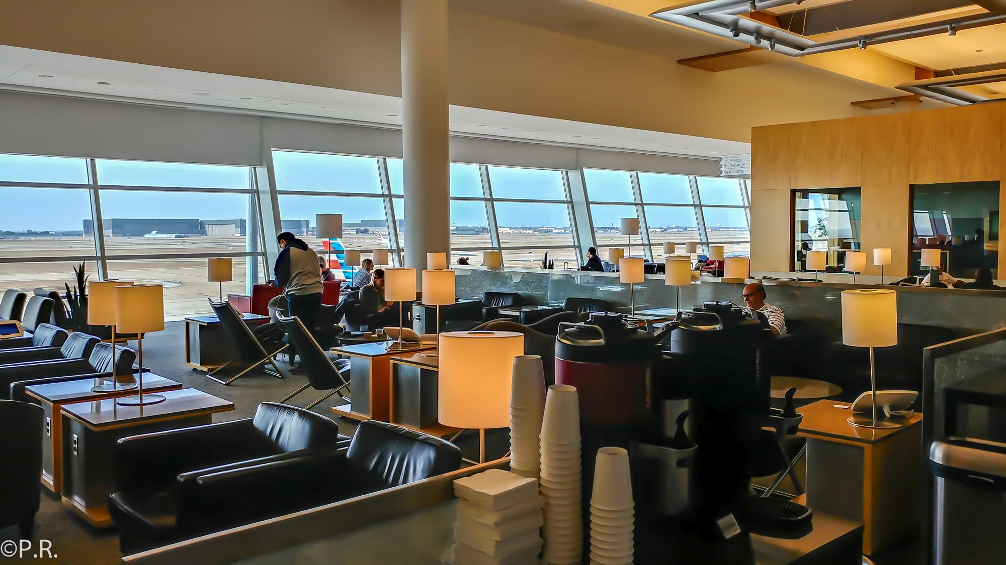 Lounge Review American Airlines Admirals Club Dallas Fort